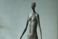 Stehende-Frau-Bronce-58-cm-1970