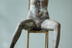Torso-auf-Stuhl-Bronce-30-cm-1974