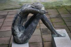 Hockende-Bronce-70-cm-1986